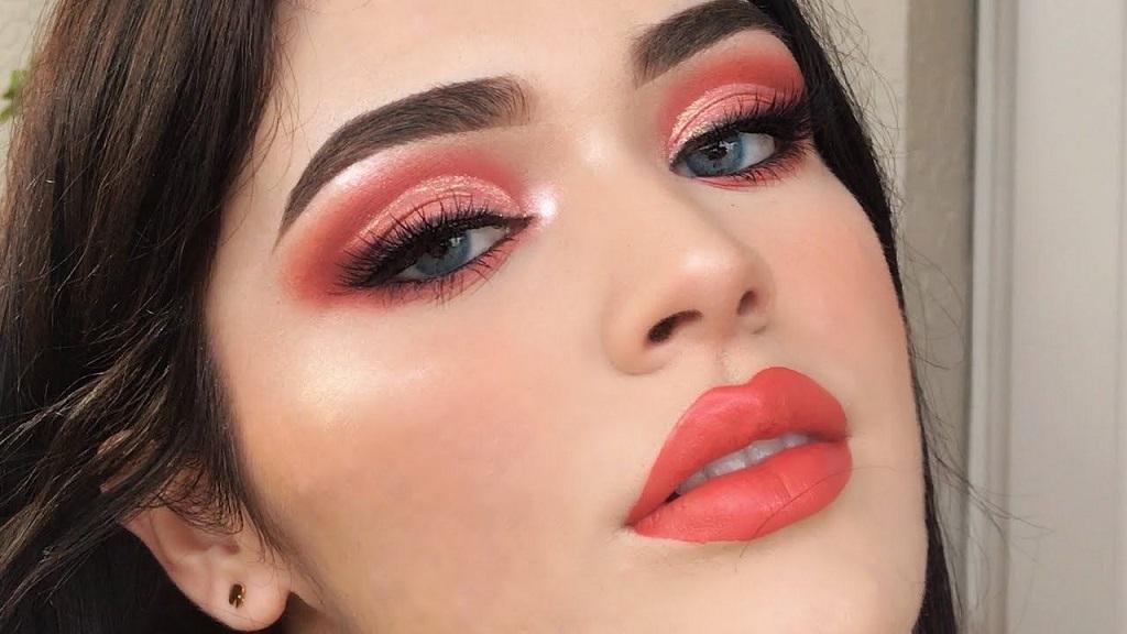 Tendencias para el 2021: labios color coral
